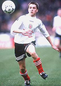 Owen í leik u-15 ára landsliðsins gegn Brasilíu 11. mars 1995
